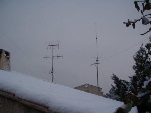 Neige sur l'étang ... dans Divers antennes-neige1